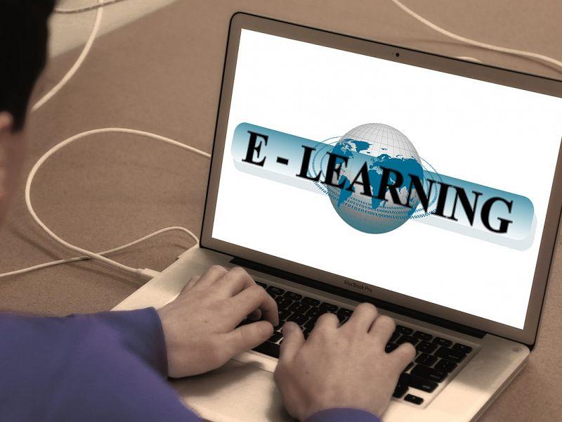 Množični odprti spletni tečaji ali MOOC. Ste že poizkusili?